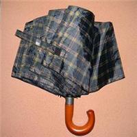 深圳雨伞厂消费加工木手柄三合主动伞 男士遮阳伞 8K晴雨伞