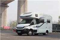 江苏新星房车8速全自动进口依维柯房车3.0L涡轮增压柴油发动机后轮空气悬挂