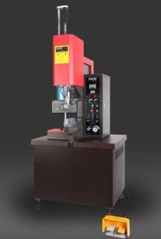 蘇州廠家供應全液壓鉚釘機定制