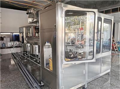 中山自動桶裝水生產線報價 桶裝純凈水灌裝機