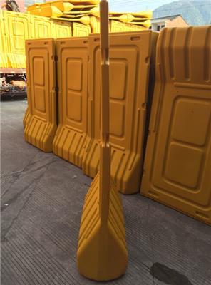 出租圍擋注水圍欄施工隔離墩 租賃水馬護欄防撞桶市政圍墻水馬2米