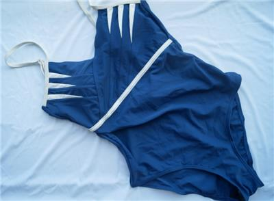 聚拢显瘦连体泳装复古性感经典保守露背连体修身女泳衣