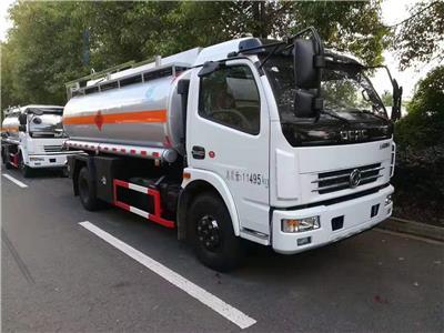 全國各地出售東風國五8噸油罐車/加油車廠家**包上戶可分期