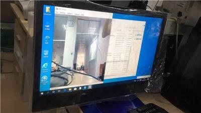21.5寸22寸電子班牌廠家可選電容觸摸寬動態攝像頭RFID讀卡配套班牌軟件