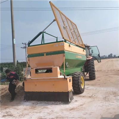 新型環保工程車鋪灰車撒料車